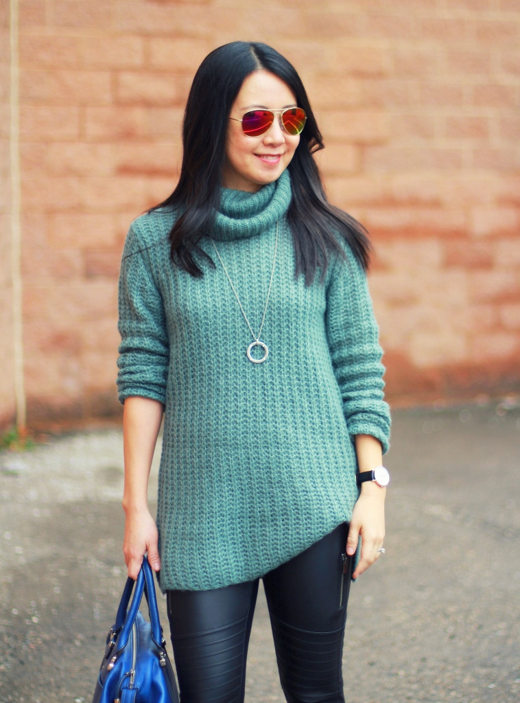 Express scuba leggings, moto leggings, oversized sweater, Trouve, blue booties, cobalt blue bag, teal green sweater
