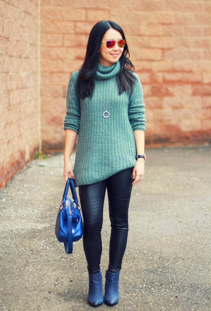 Express scuba leggings, moto leggings, oversized sweater, Trouve, blue booties, cobalt blue bag, teal green sweater, winter uniform