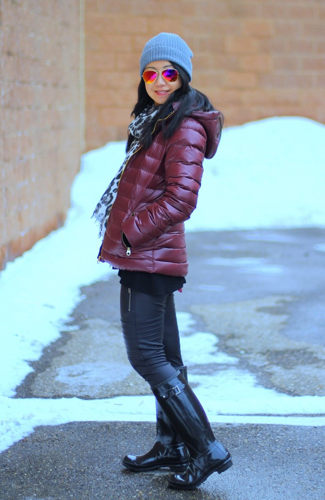 burgundy puffer jacket, Calvin Klein packable jacket, Hunter boots, Express moto leggings, leopard print scarf