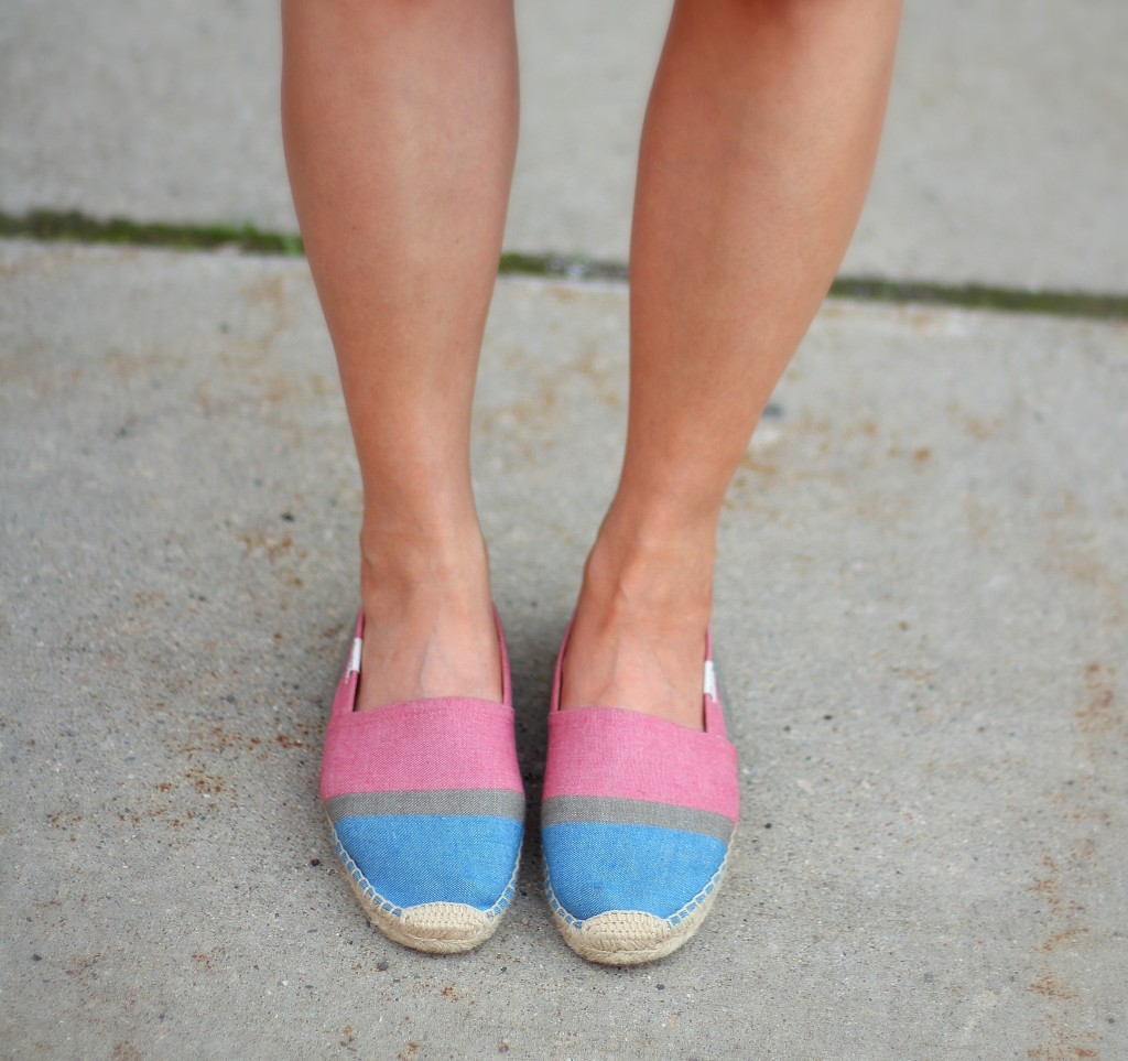 beach casual, red and white, Soludos espadrilles, spring colors