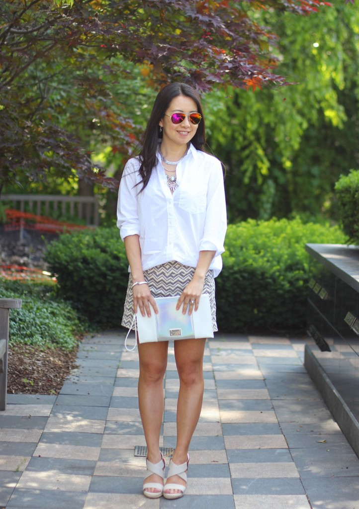 summer fashion, casual glam, classic white shirt, Banana Republic white button down shirt, print shorts, Anthropologie chevron print shorts, wedges, Happiness Boutique, layered necklace, Express clutch, date night outfit