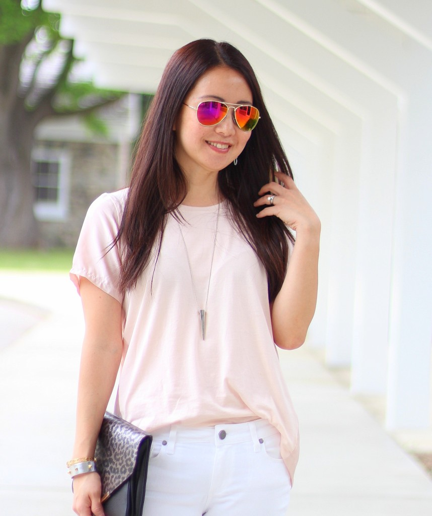 summer uniform, summer fashion, casual, white jeans, pink tee, leopard clutch