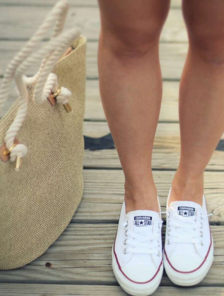 summer fashion, natural fibers, All-Star Converse Shoreline sneakers, straw tote